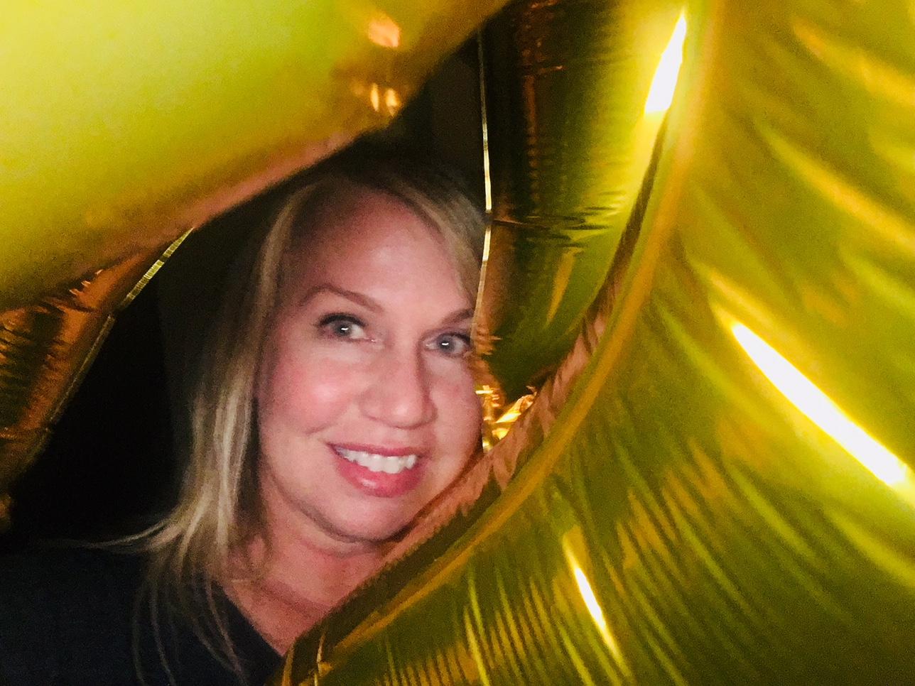 Going Viral Balloon Selfie